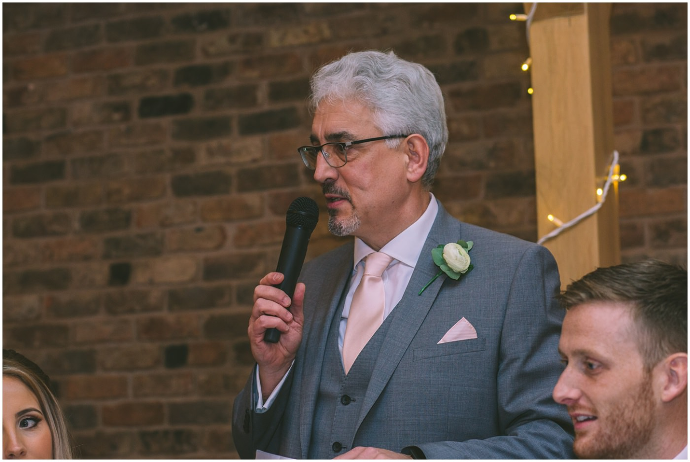 Father of the bride gives a speech at Pryors Hayes