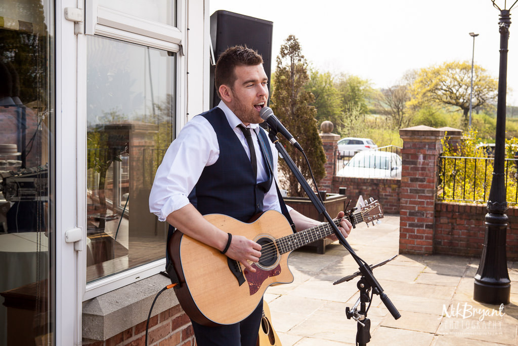 Alex Birtwell wedding entertainer