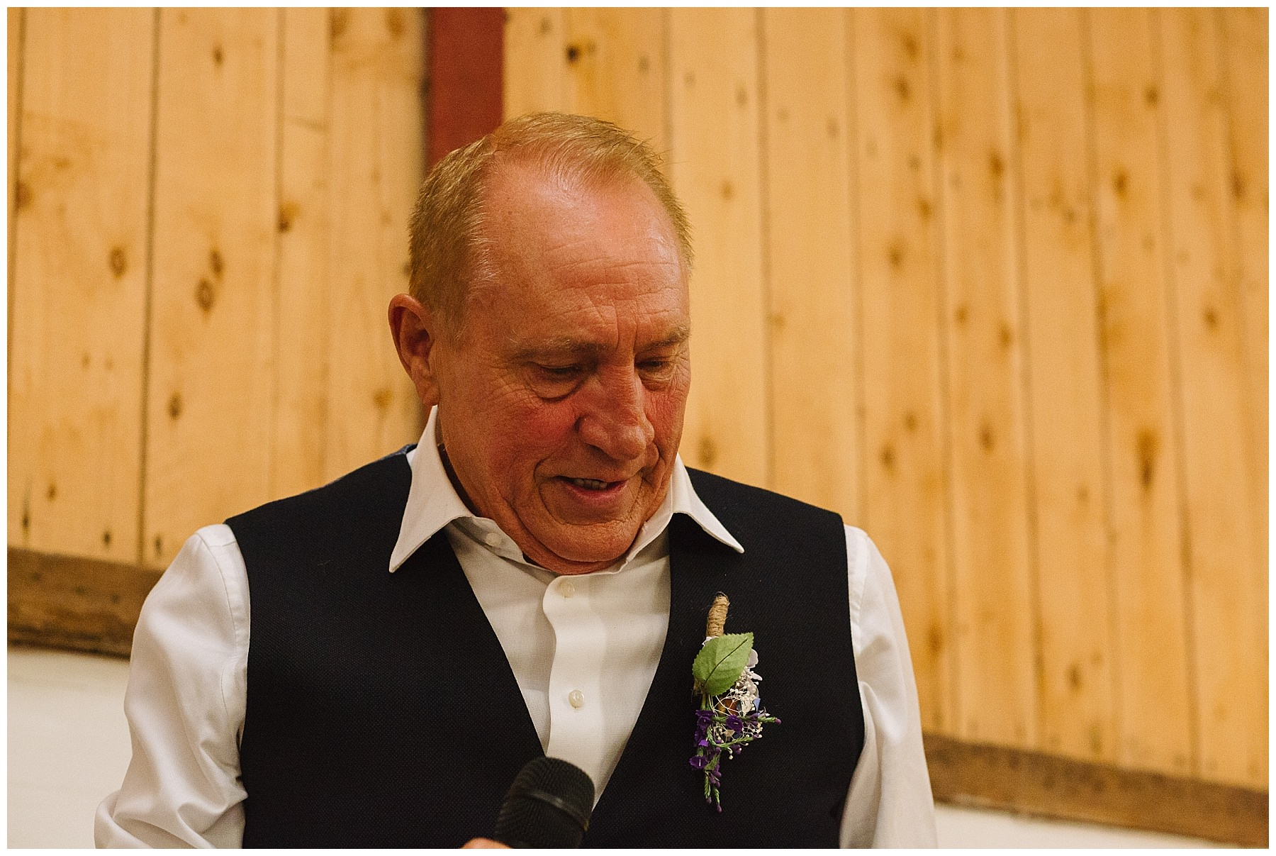 father of the bride speaks at daughters wedding