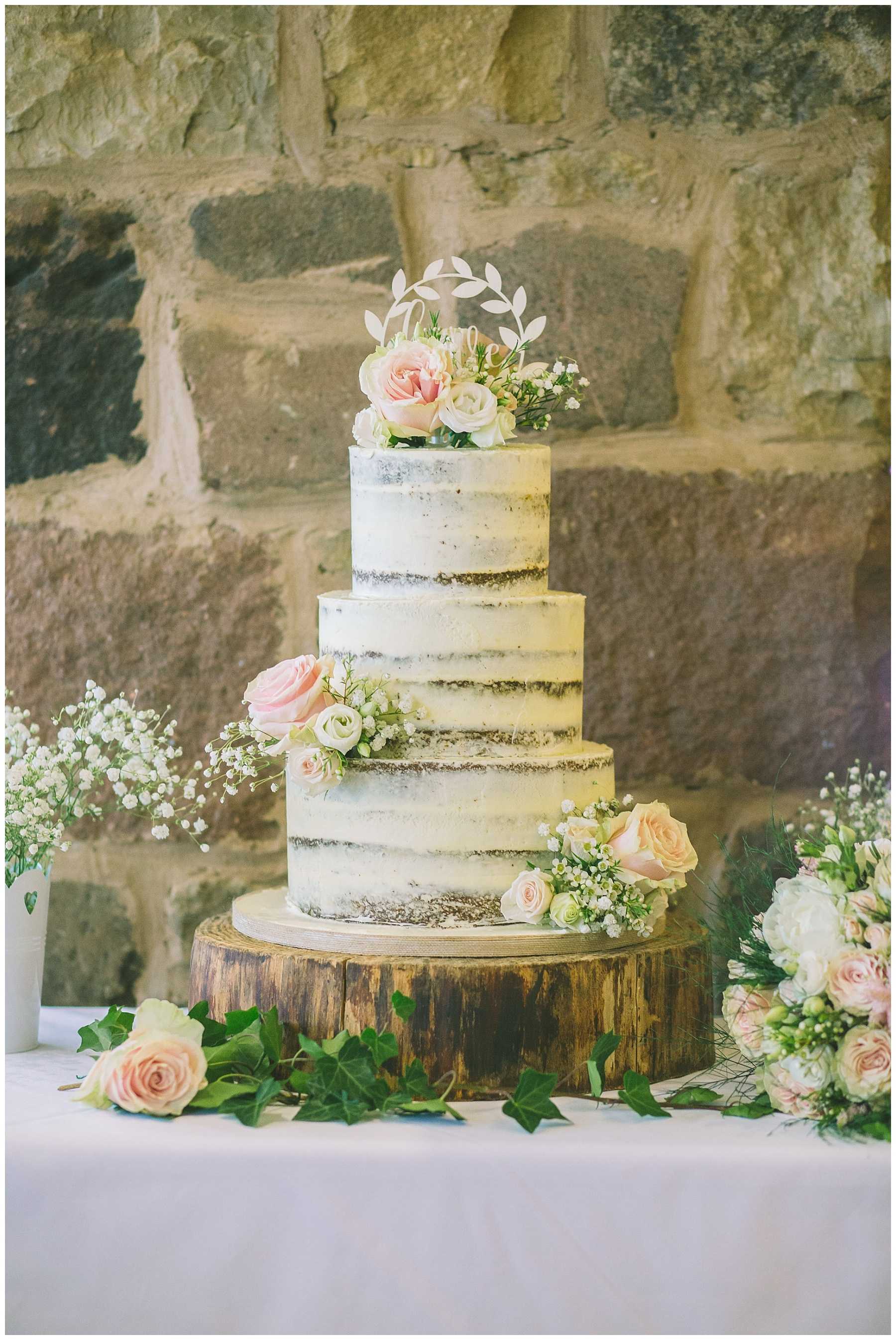 semi naked wedding cake inspiration