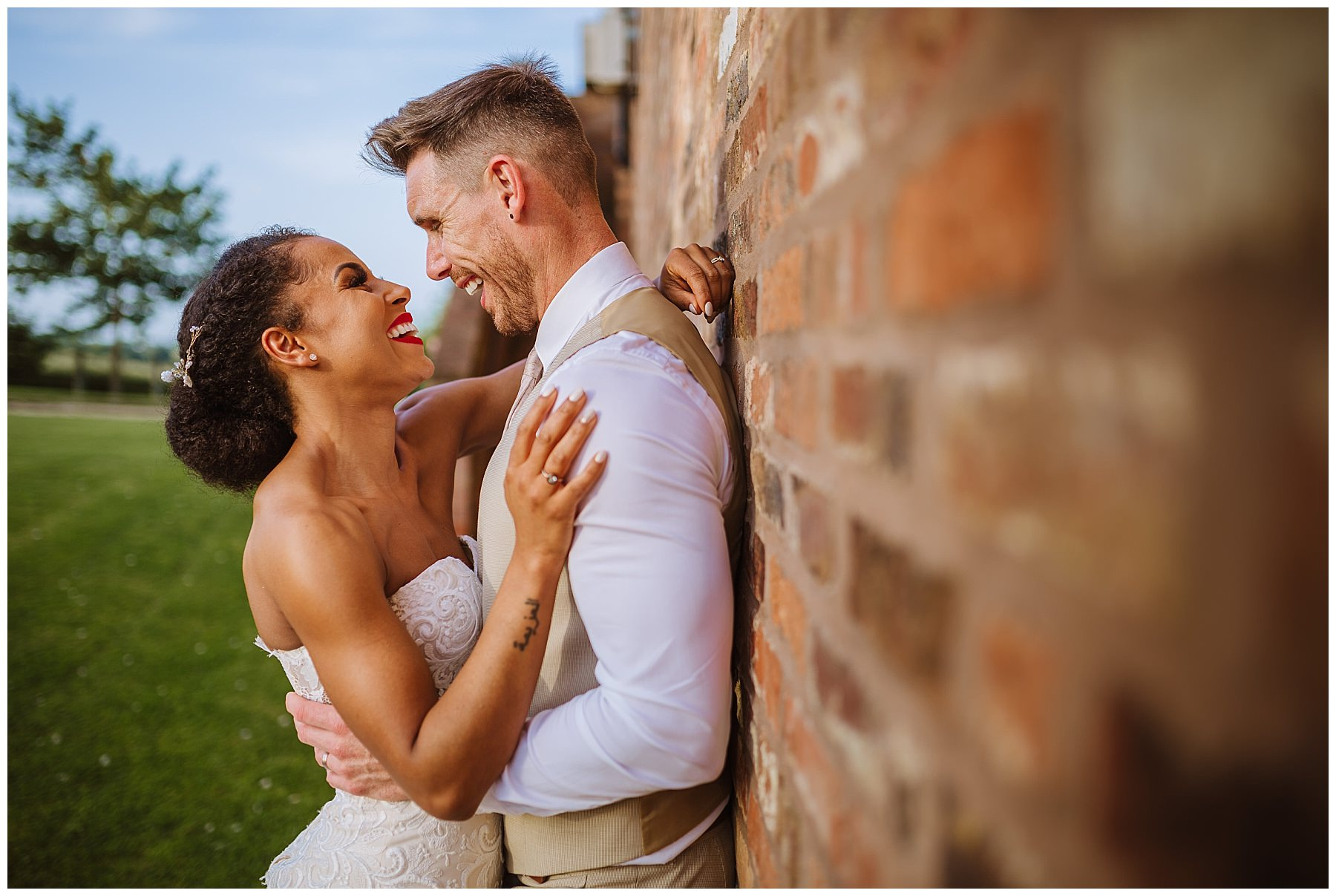 beautiful couples portraits at swancar farm wedding venue